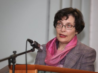 <p><b>Dr Zdenka Čebašek-Travnik </b></p> <p>(Photo: Simon Plestenjak)</p>